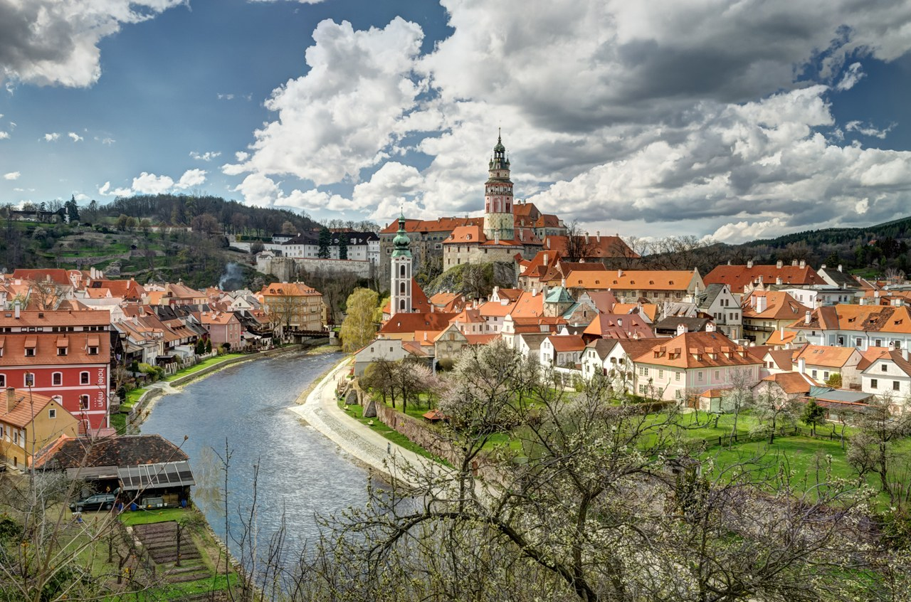 The Human Settlements Cesky Krumlov A Pearl Of European
